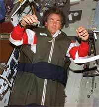 Problems in space travel - astronauts are sleeping in space pictures 3rd photo