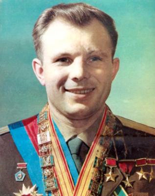 Space heroes: Yuri Gagarin first man in outer space 1st photo